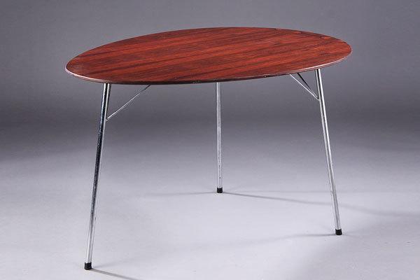 Arne-Jacobsen-Egg-table-01.jpg