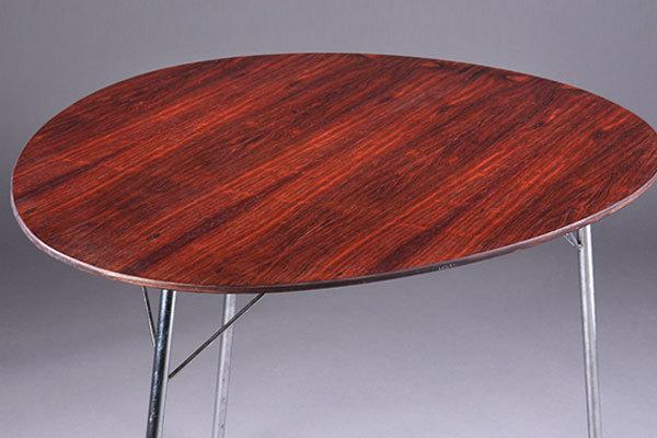 Arne-Jacobsen-Egg-table-03.jpg