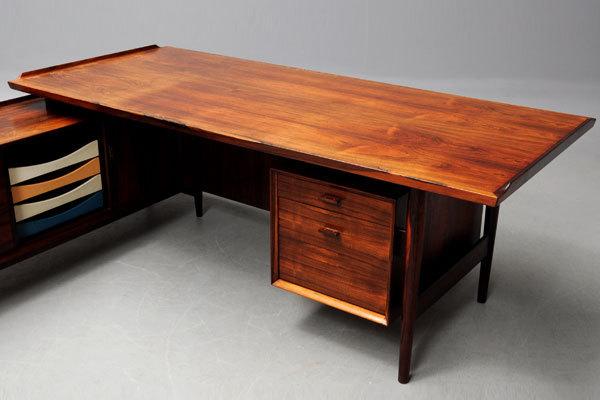 Arne-Vodder-system-desk-rosewood-05.jpg
