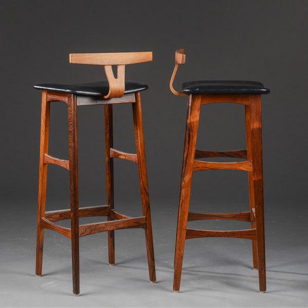 Erik-Buck-Bar-stool-02.jpg