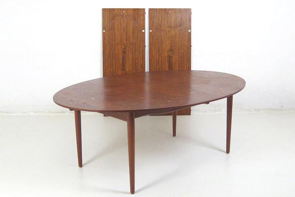 Finn-Juhl--Judus-Dining-table-01.jpg