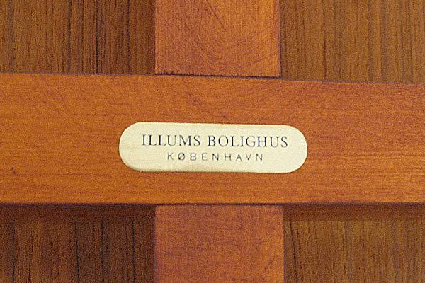 Finn-Juhl--Judus-Dining-table-06.jpg
