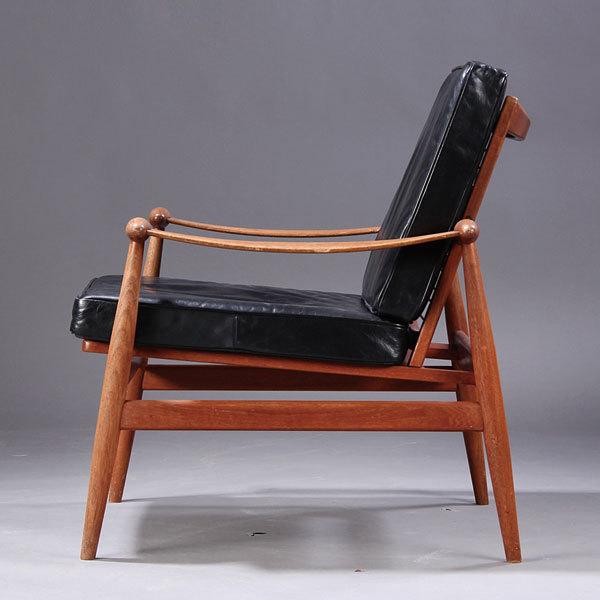 Finn-Juhl-Spade-chair-FD133-02.jpg