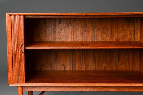 Peter-Hvidt-Sideboard-03.jpg