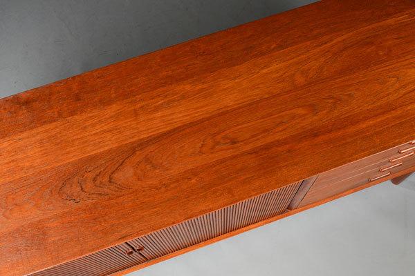 Peter-Hvidt-Sideboard-05.jpg