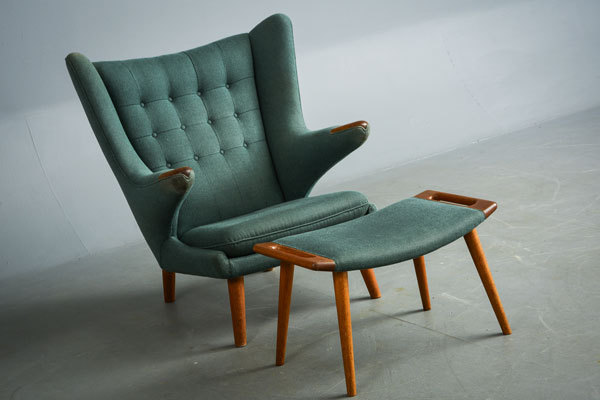 Wegner-Bear-chair-and-Ottoman-01.jpg