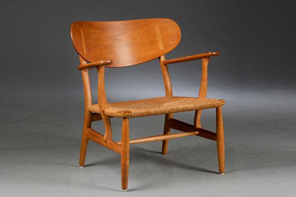Wegner-Easy-chair-CH22-01.jpg