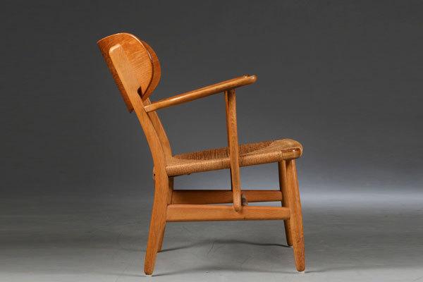 Wegner-Easy-chair-CH22-02.jpg