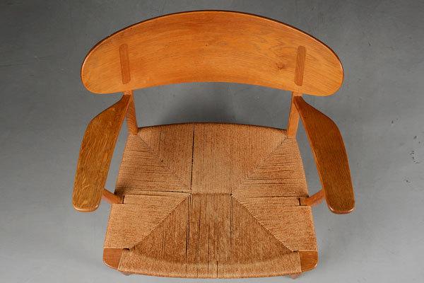 Wegner-Easy-chair-CH22-04.jpg
