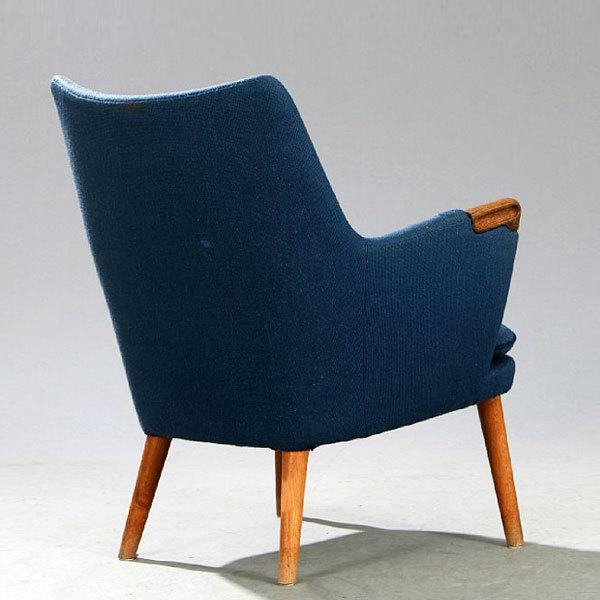 Wegner-Mini-bear-chair-AP20-Oak-03.jpg