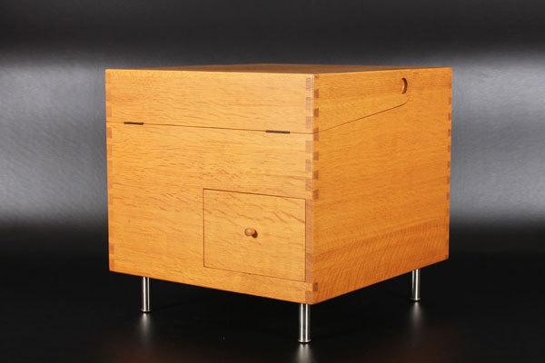Wegner-bar-cabinet-AT-34-Oak-03.jpg