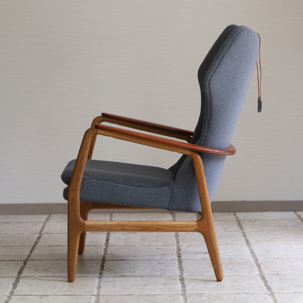 Aksel Bender Madsen  Highback easy chair  Bovenkamp (7).jpg