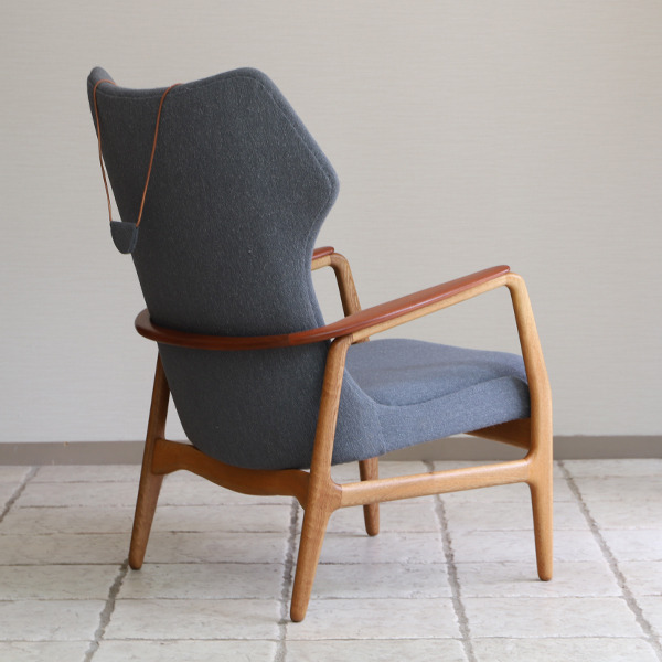 Aksel Bender Madsen  Highback easy chair  Bovenkamp (8).jpg