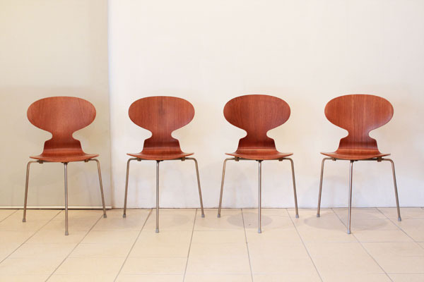 Arne-Jacobsen-Ant-chair-03.jpg