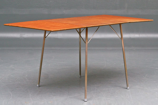 Arne-Jacobsen-Dining-table-01.jpg