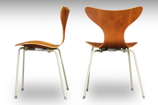 Arne-Jacobsen-LILY-eight-chiar-model3108-teak--Fritz-Hansen-01.jpg