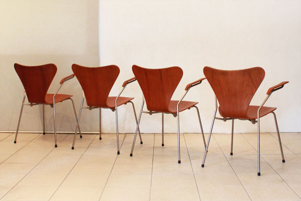 Arne-Jacobsen-Seven-chair-02.jpg