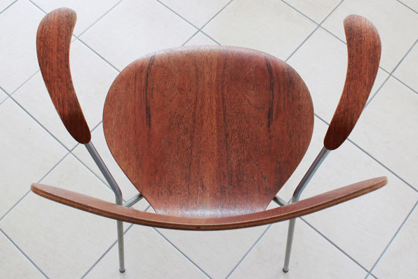 Arne-Jacobsen-Seven-chair-Arm-Teak-03.jpg