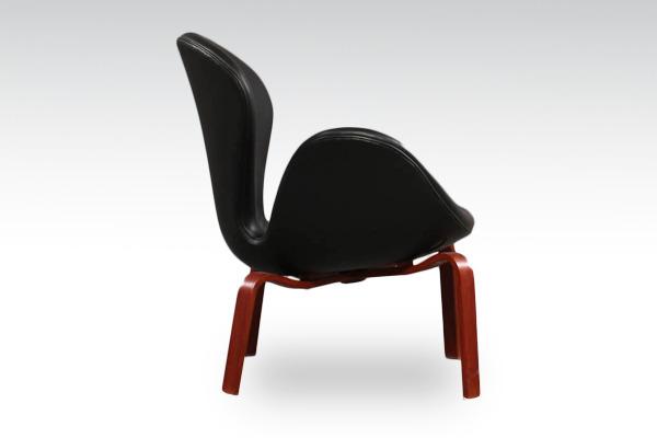 Arne-Jacobsen-Swan-easy-chair.-model-4325-Fritz-Hansen-03.jpg