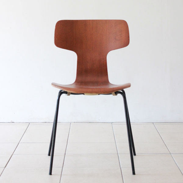Arne-Jacobsen-T-chair-04.jpg
