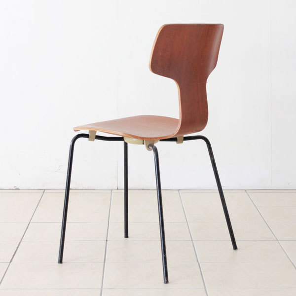 Arne-Jacobsen-T-chair-06.jpg