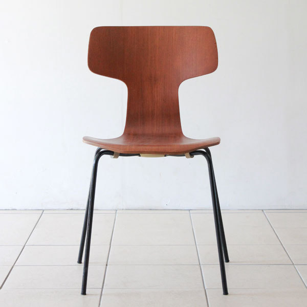 Arne-Jacobsen-T-chair-09.jpg