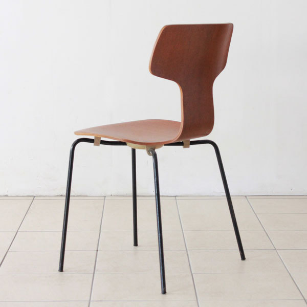 Arne-Jacobsen-T-chair-11.jpg