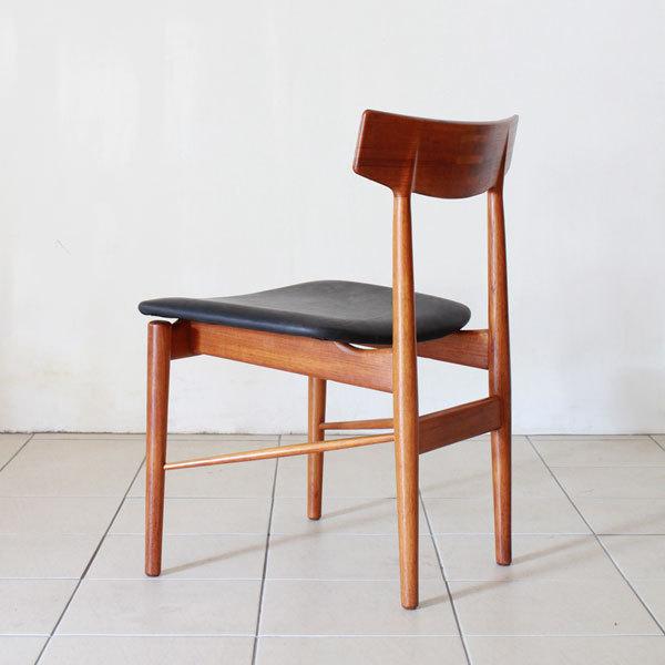 Arne-Vodder-Dining-Chairs-05.jpg