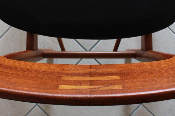 Arne-Vodder-Dining-Chairs-08.jpg
