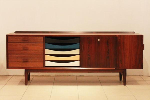 Arne-Vodder-Rosewood-sideboard-02.jpg