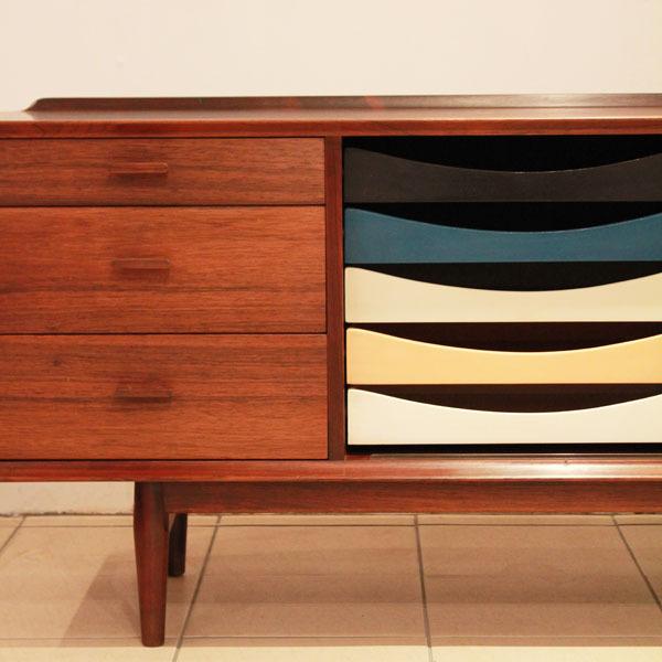 Arne-Vodder-Rosewood-sideboard-03.jpg