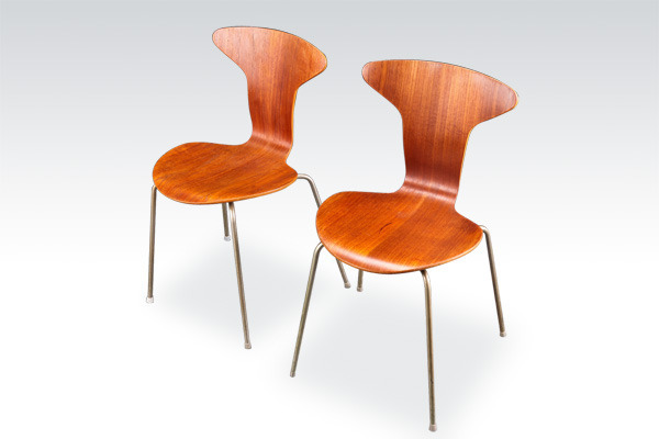 Arne-jacobesn--Mosquito-chairs-01(修正後).jpg