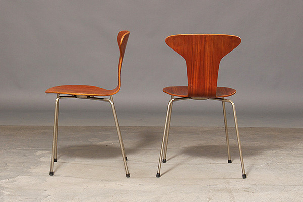 Arne Jacobsen. Four teak chairs, 'Mosquito', model 3105-01.jpg