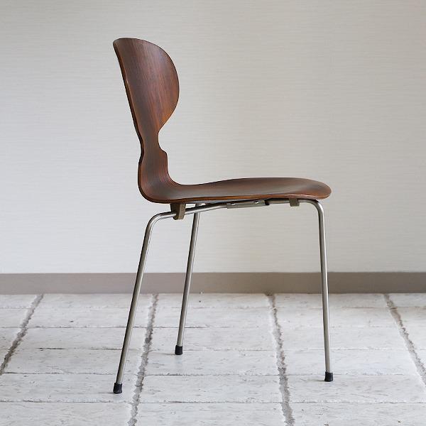 Arne Jacobsen  Ant chair  Fritz Hansen (21).jpg