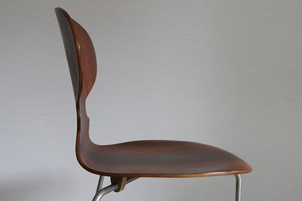 Arne Jacobsen  Ant chair  Fritz Hansen (3).jpg