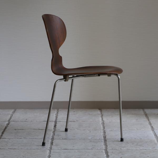 Arne Jacobsen  Ant chair  Fritz Hansen (7).jpg