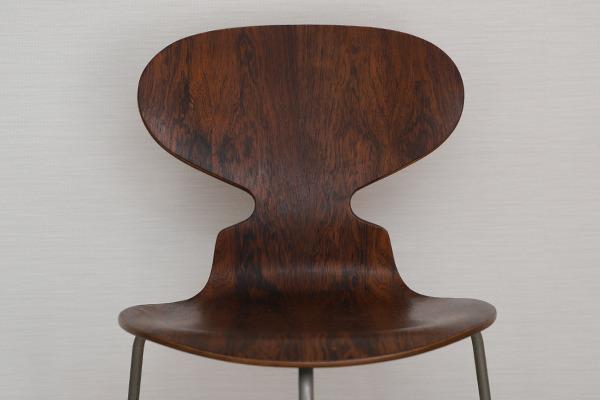Arne Jacobsen  Ant chairs  Fritz Hansen (4).jpg