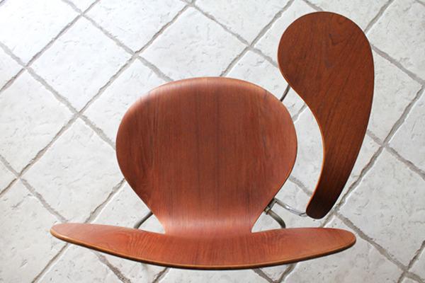 Arne Jacobsen  Seven chair Teak  Fritz Hansen-02.jpg