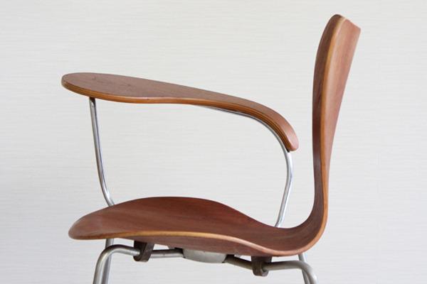 Arne Jacobsen  Seven chair Teak  Fritz Hansen-03.jpg
