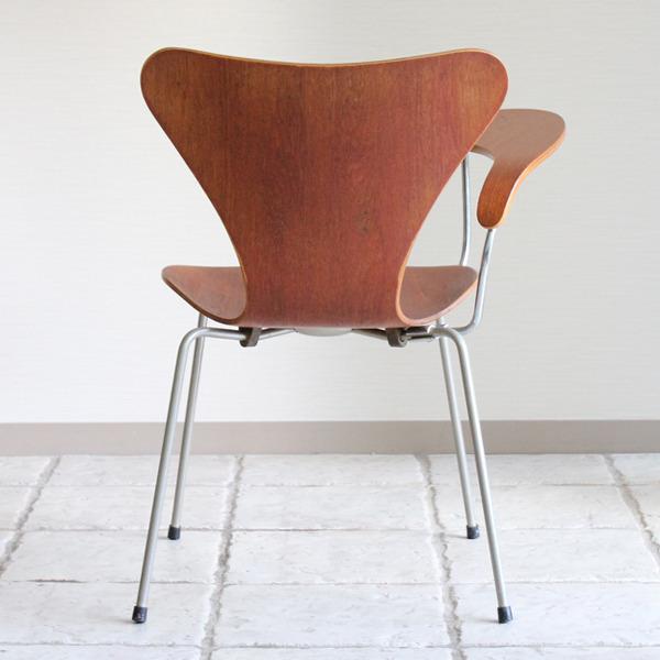 Arne Jacobsen  Seven chair Teak  Fritz Hansen-06.jpg