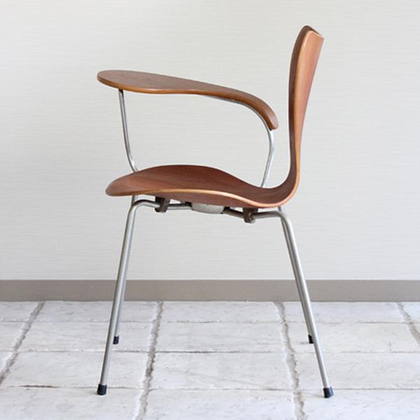 Arne Jacobsen  Seven chair Teak  Fritz Hansen-07.jpg