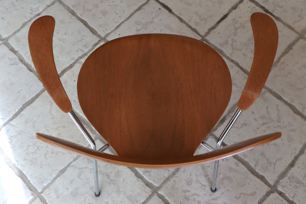 Arne Jacobsen  Seven chair model 3207 Teak  Fritz Hansen (3).jpg