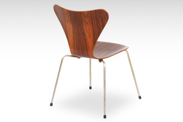 Arne Jacobsen  Seven chairs. Rosewood  Fritz Hansen-01.jpg