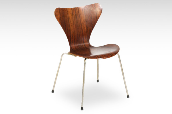 Arne Jacobsen  Seven chairs. Rosewood  Fritz Hansen-02.jpg