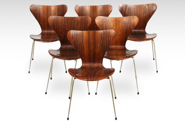 Arne Jacobsen  Seven chairs. Rosewood  Fritz Hansen-03.jpg