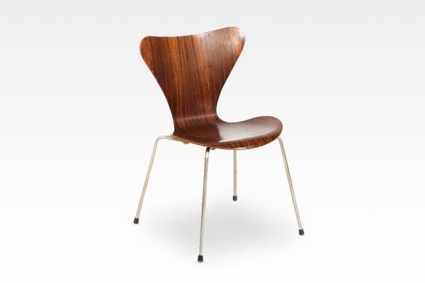 Arne Jacobsen  Seven chairs. Rosewood  Fritz Hansen (2).jpg