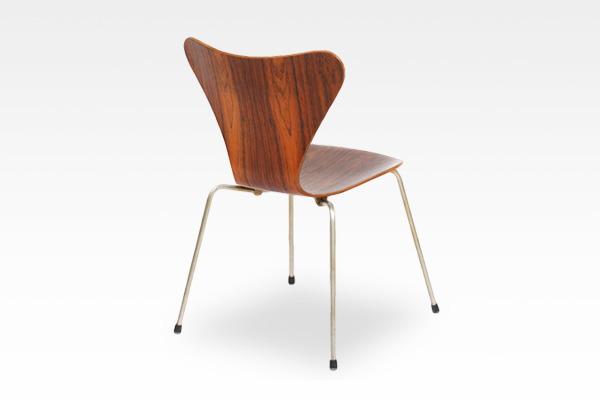 Arne Jacobsen  Seven chairs. Rosewood  Fritz Hansen (3).jpg