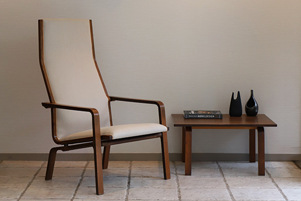 Arne Jacobsen  St. Catherine chair・side table  Fritz Hansen.jpg