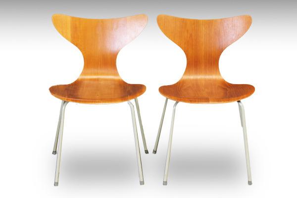 Arne Jacobsen LILY eight chiar model3108 teak  Fritz Hansen-02.jpg