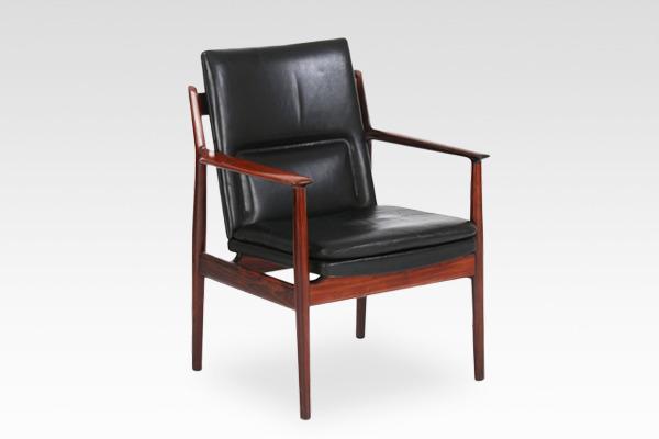 Arne Vodder  Armchair.model 431 Brazilian rosewood  Sibast (1).jpg
